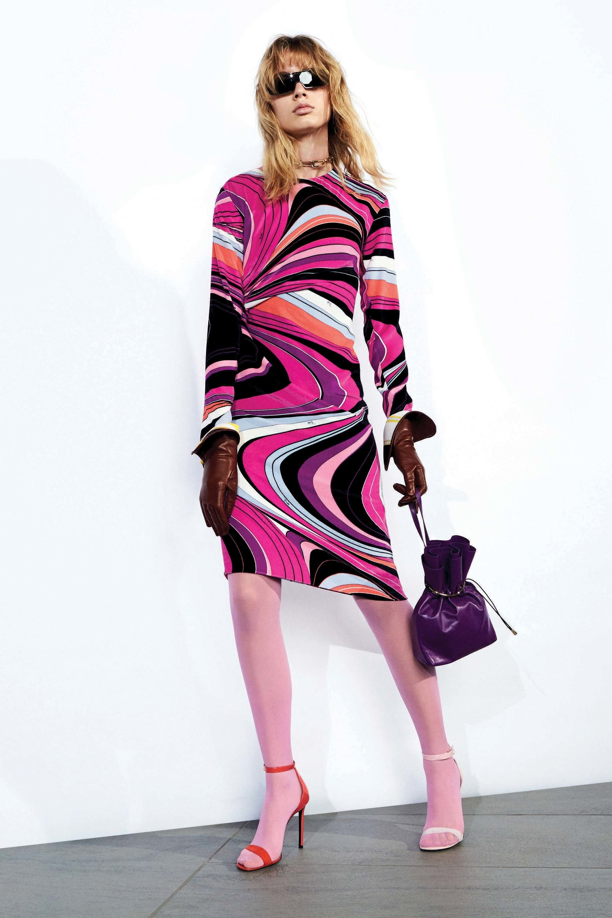 images/cast/20172000010000090=Pre Fall 2017 COLOUR'S COMPANY fabrics x=Pucci
